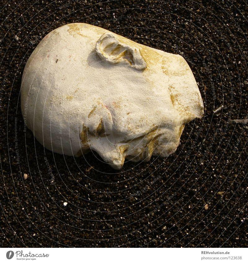 kopflos Kunst Skulptur Glatze Wetter Kunsthandwerk Kopf Stein rumliegen Anschnitt Erde Denken Bild Gesicht Ohr Nase Mund Hals Ab ohne Haare Kies