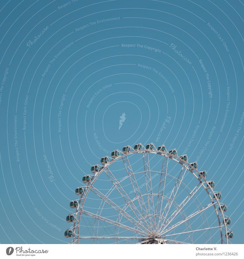 Riesenrad Jahrmarkt Vergnügungspark Ausflug Sommer Entertainment Himmel Wolkenloser Himmel Schönes Wetter Stahl drehen Erholung elegant hoch kalt rund blau