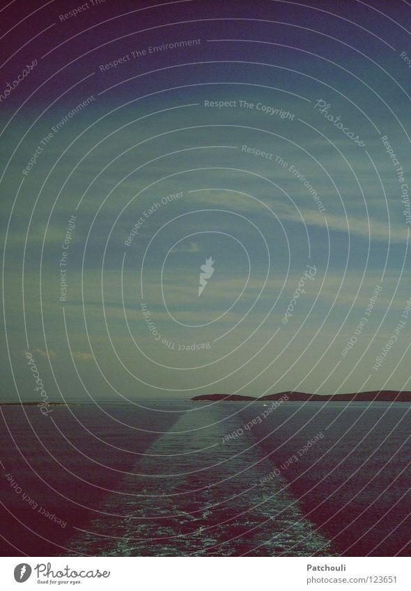 Blau so weit das Auge reicht Wasser Himmel Meer blau Wolken Wasserfahrzeug Wellen Insel Spuren Schaum Fähre Kroatien Adria