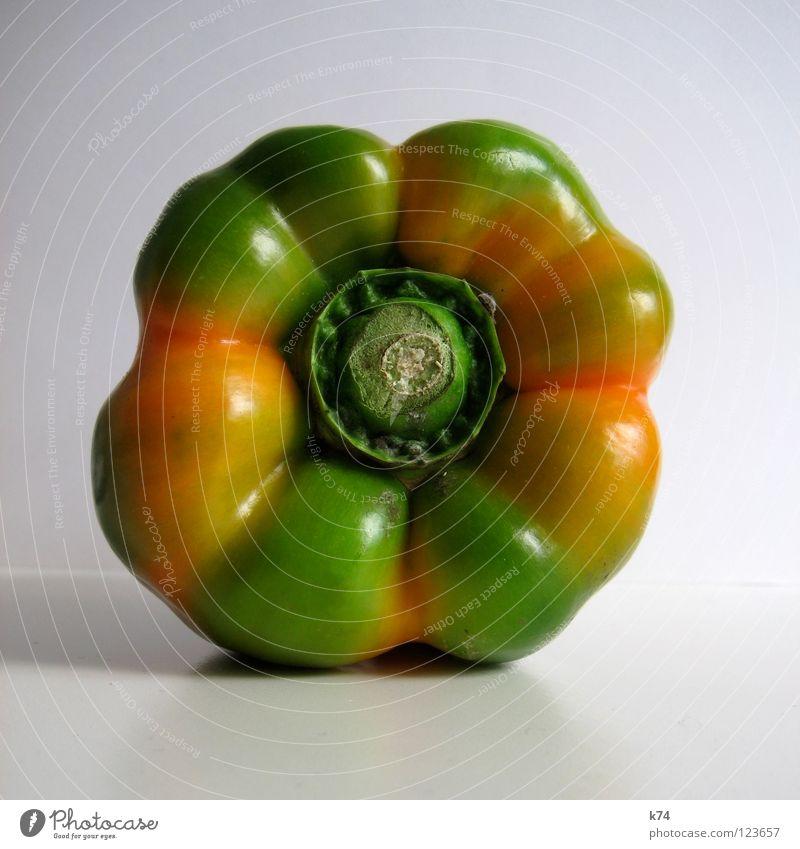 PAPRIKA grün rot Ernährung orange Gesundheit Lebensmittel frisch Kochen & Garen & Backen Küche Gemüse Markt Vitamin Paprika Vegetarische Ernährung Koalition