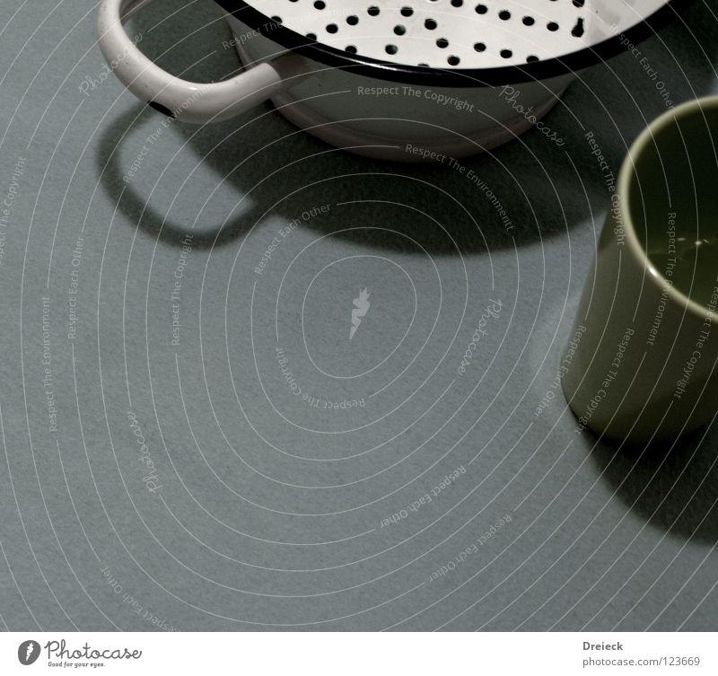 Hausfrauenglück alt weiß grün blau grau Tisch Ordnung Küche Dekoration & Verzierung Topf Vase Haushalt Becher altmodisch Sieb Tragegriff