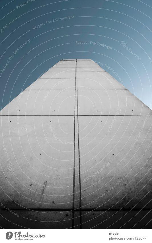 Highway 2 Heaven Himmel blau grau Beton Streifen Turm Unendlichkeit Autobahn Gotteshäuser Musikinstrument Gitarrenhals