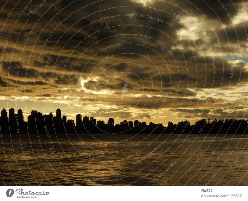 vancouver Stadt Vancouver British Columbia Kanada Sonnenuntergang Wolken Stimmung Meer Panorama (Aussicht) Skyline dramatisch groß Wolkenhimmel Silhouette