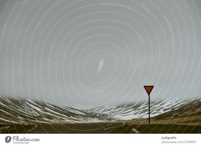 Island Natur Ferien & Urlaub & Reisen Einsamkeit Landschaft ruhig Wolken dunkel kalt Umwelt Berge u. Gebirge Straße Wege & Pfade außergewöhnlich Stimmung Wetter