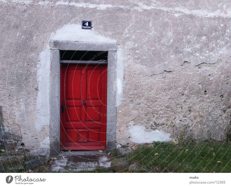 elizabeth arden ? Eingangstür rot Holz Architektur Tür haustor Tor alt