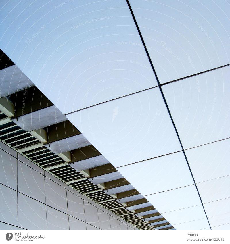 29 abstrakt Fluchtlinie Fluchtpunkt Haus Hochhaus Block Beton Mieter Vermieter Design Standort Wohnung Wand Balkon Fenster Etage Sauberkeit Architektur Linie