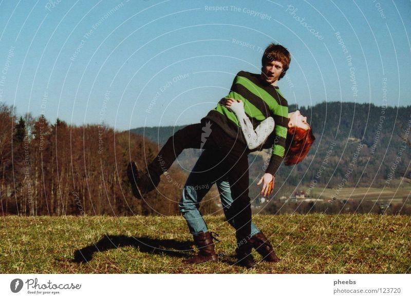frühling Mensch Himmel Sonne Sommer Wald Wiese Frühling Haare & Frisuren Fuß Wärme hell Rasen Physik Streifen Stiefel Pullover