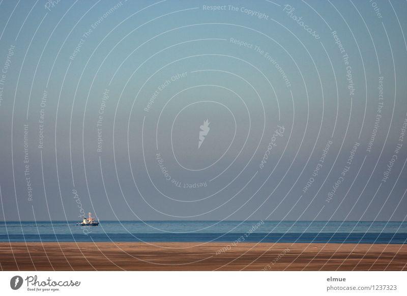 Fischers Fritz fischt frische Fische Fischereiwirtschaft Wasser Wolkenloser Himmel Küste Strand Nordsee Ferne Horizont gerade minimalistisch