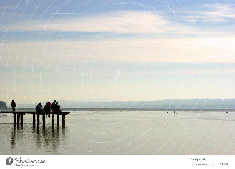 Freiheit! Himmel Wasser Sommer Winter Freude Wolken Freiheit Menschengruppe See Freundschaft Horizont Feste & Feiern Freizeit & Hobby Steg Anlegestelle Bayern