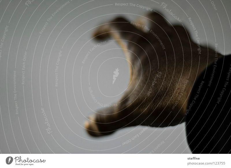 Pack mer's Hand Finger Besitz besitzen Kraft drücken glänzend Licht dunkel Hände schütteln schwarz weiß Guten Tag verkrampft Nervosität Mensch Körperteile
