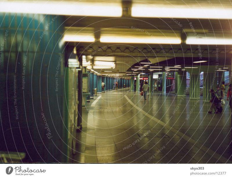 Untergrund S-Bahn Station Frankfurt am Main London Underground