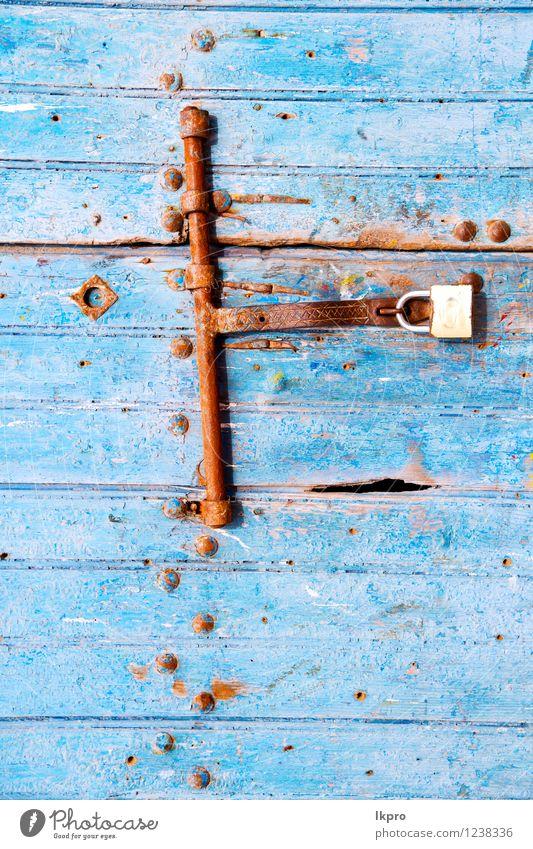 Marokko in Afrika das alte Holz Stil Design Dekoration & Verzierung Gebäude Architektur Tür Rost dreckig retro blau Sicherheit Schutz Geborgenheit Schloss
