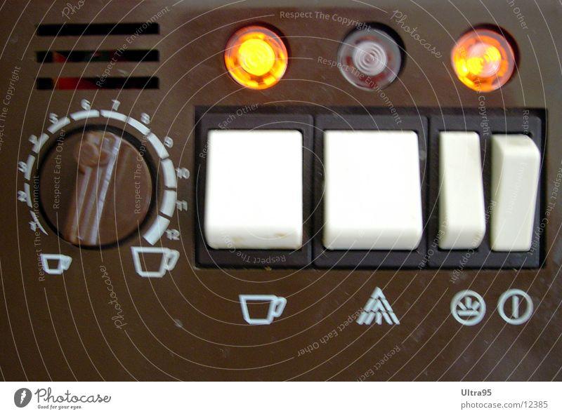 gimme coffee Kaffeemaschine Knöpfe old-school Lampe Fototechnik