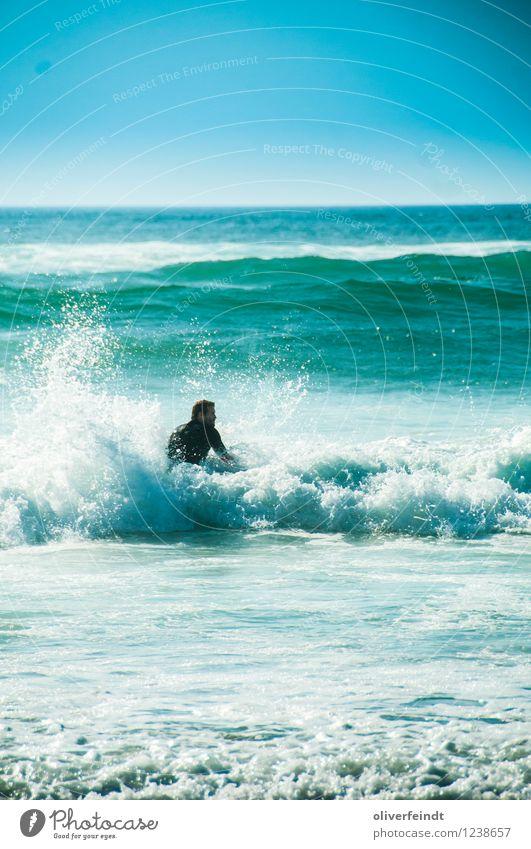 Surfen V Mensch Himmel Natur Ferien & Urlaub & Reisen Jugendliche Sommer Sonne Meer Junger Mann Ferne Strand 18-30 Jahre Erwachsene Umwelt Sport Freiheit