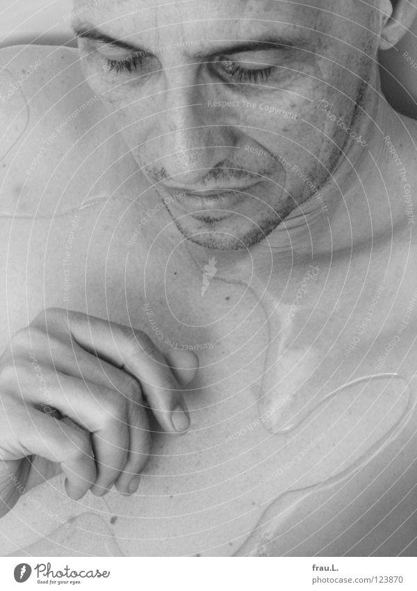 Im Bad Mensch Mann Wasser Hand Gesicht Erholung nackt träumen Zufriedenheit Freizeit & Hobby Schwimmen & Baden Haut schlafen Reinigen Wellness