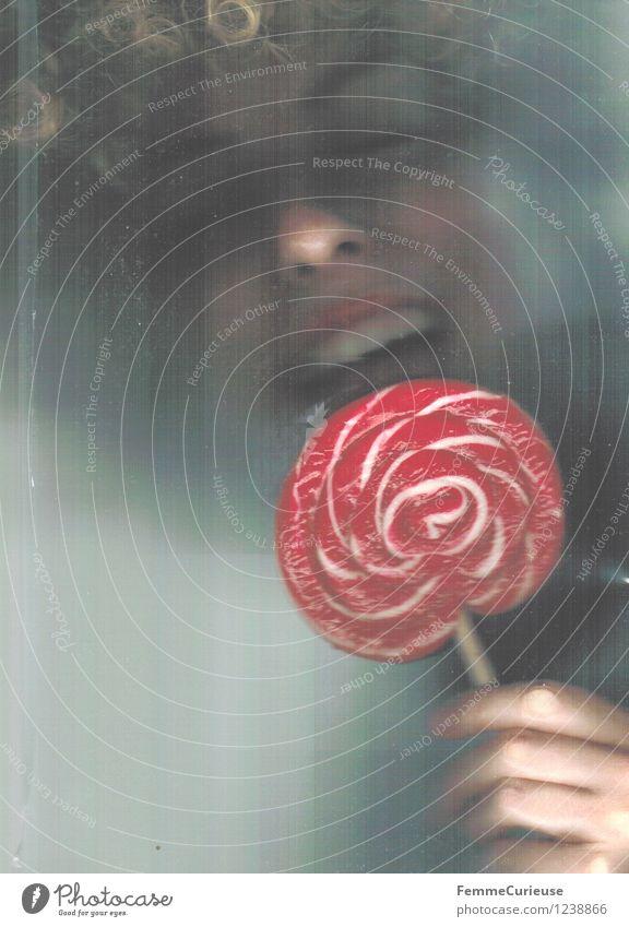 Schneckenlolli Rot-Weiß Mensch Frau Kind Jugendliche schön Junge Frau Erotik Mädchen 18-30 Jahre Erwachsene Gesicht Essen Lebensmittel 13-18 Jahre blond