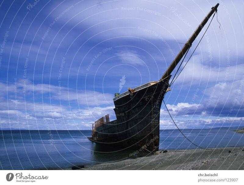 Wrack 1 Wasserfahrzeug Südamerika Chile Punta Arenas Meer Vergänglichkeit Zeit Schiffswrack Rost alt