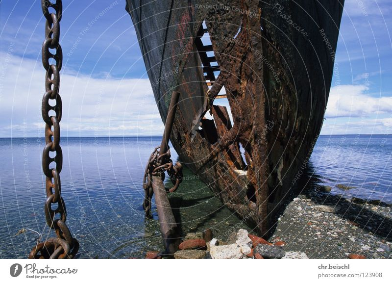 Wrack 2 alt Meer Wasserfahrzeug Zeit Vergänglichkeit Rost Kette Schifffahrt Chile Anker Südamerika Schiffswrack Punta Arenas