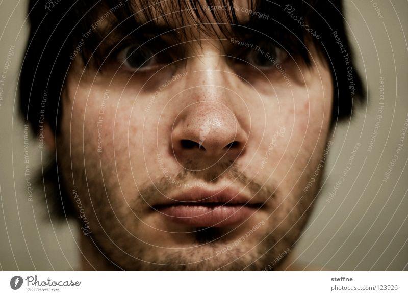 French Connection Mann Gesicht Auge Nase Bart Typ Kerl Dreitagebart unrasiert Unglaube