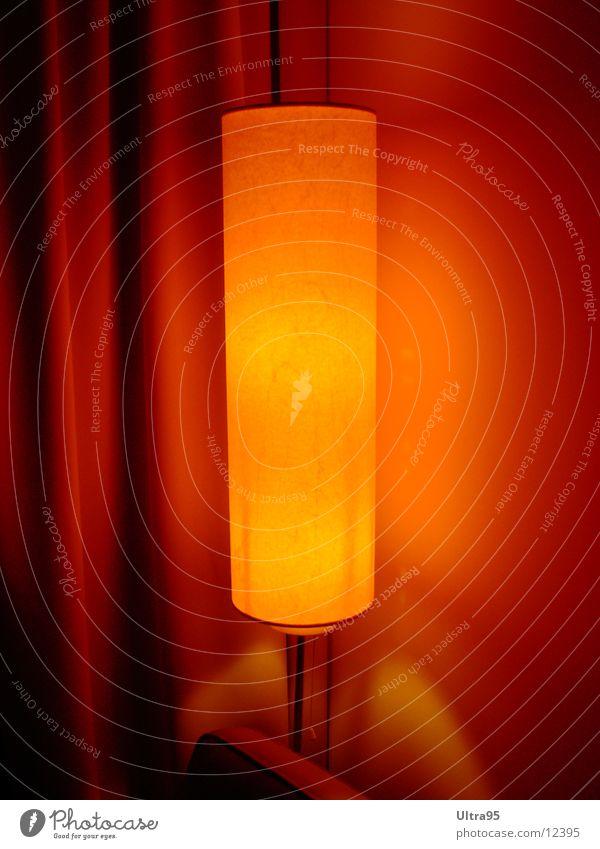 red light Lampe Stehlampe Licht gemütlich Hotelzimmer Häusliches Leben Wärme