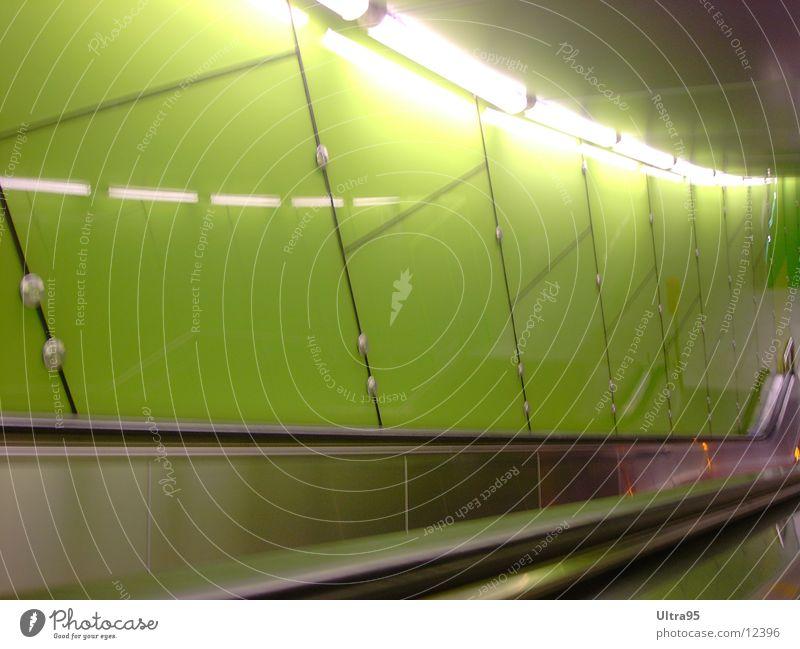 Vienna Central Station Wien grün Licht Rolltreppe Architektur Bahnhof