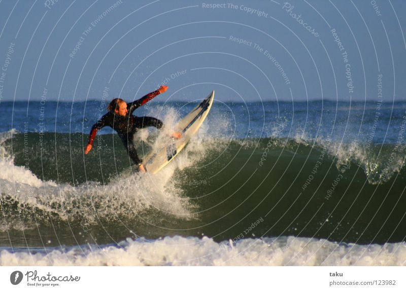 .......YEEEEAAAHHH I ..... Sommer Sport springen Coolness Surfen Surfer Wassersport Neuseeland Surfbrett