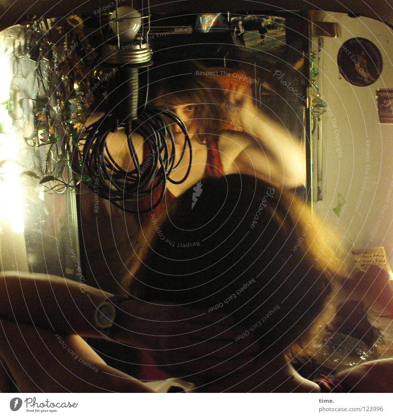 Kurz vor Bühne Frau Lampe feminin Musik Haare & Frisuren Kunst Bekleidung Kabel Dekoration & Verzierung Kultur Show Spiegel Konzert Schminken Umkleideraum