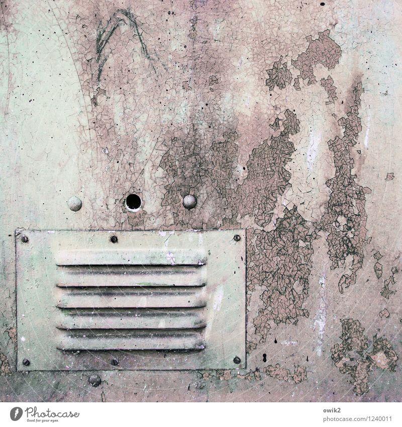Mehr Luft Technik & Technologie Container Metall alt Rost Spuren Farbstoff verfallen Zahn der Zeit Vergänglichkeit Verfall Luftzufuhr Farbfoto Gedeckte Farben