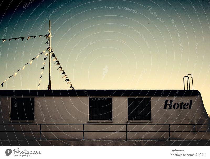 Hotel a.M. Himmel Ferien & Urlaub & Reisen Wasser Sonne Meer Erholung Fenster Küste Architektur klein See außergewöhnlich Wasserfahrzeug Erde Aktion Raum