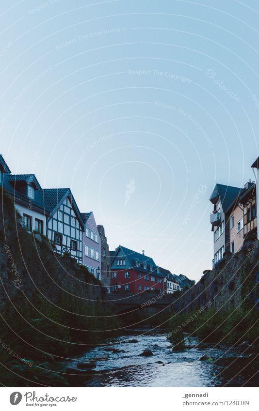 Bad Münstereifel Dorf Stadt blau Fluss Kleinstadt Altstadt Haus Romantik Skyline Heino Farbfoto Außenaufnahme Menschenleer Textfreiraum oben Tag