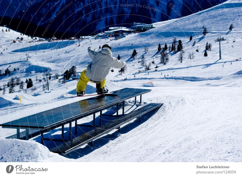 Tableslide schön Freude Winter Berge u. Gebirge Freiheit springen Freizeit & Hobby Show Alpen Risiko Barriere Gleichgewicht drehen Skigebiet abwärts Österreich