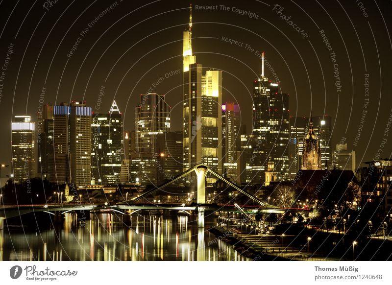 Frankfurt bei Nacht Ferien & Urlaub & Reisen Stadt Hochhaus Perspektive Skyline Stadtzentrum Frankfurt am Main Wasserspiegelung Bankenviertel Financial District