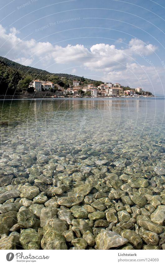 der sonne entgegen Himmel Wasser grün Ferien & Urlaub & Reisen Meer Sommer Farbe Wolken ruhig Stein träumen Wellen Kraft Freizeit & Hobby Energiewirtschaft
