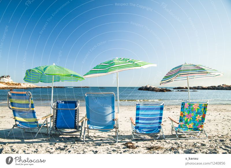 Strandtag Ferien & Urlaub & Reisen blau grün Sommer Wasser Sonne Erholung Meer Wärme Zufriedenheit Freizeit & Hobby Tourismus sitzen Fröhlichkeit genießen