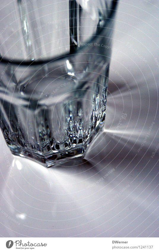 Trinken nicht vergessen! Sommer Lifestyle hell Design leuchten Glas leer Trinkwasser Getränk rund Sauberkeit trinken Gastronomie Restaurant Geschirr