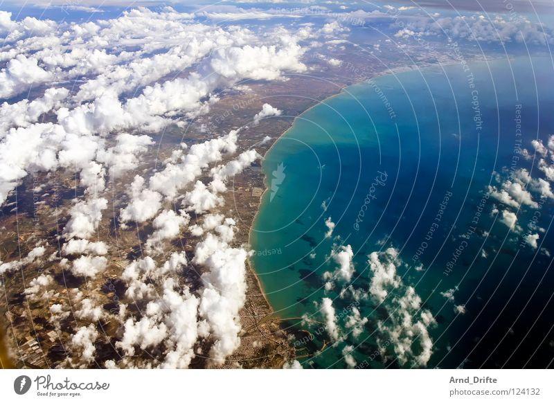 Küste von Sizilien II Wasser blau schön Meer Strand Wolken Ferne Landschaft Luft Horizont fliegen Italien lang Aussicht breit