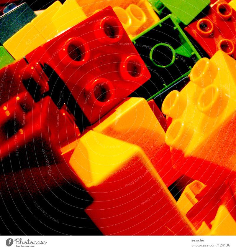 Fragmente zum Ganzen I grün rot Freude gelb Spielen Stein Dekoration & Verzierung Teile u. Stücke Spielzeug Statue Kreativität Fantasygeschichte Baustein