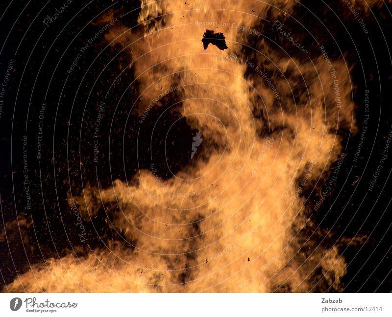 feuer die 12te Licht gelb Nacht brennen Physik Glut Langzeitbelichtung Brand Wärme Flamme