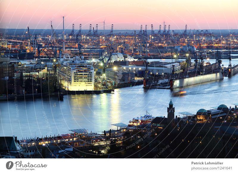 Hafen Hamburg Arbeitsplatz Industrie Handel Güterverkehr & Logistik Architektur Umwelt Wasser Wolkenloser Himmel Horizont Sonnenlicht Schönes Wetter Flussufer