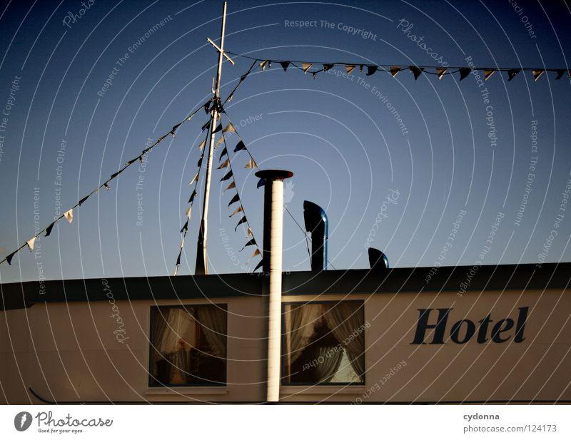 Hotel a. M. I Himmel Ferien & Urlaub & Reisen Wasser Meer Erholung Fenster Küste Architektur klein See außergewöhnlich Wasserfahrzeug Erde Aktion Raum Schriftzeichen