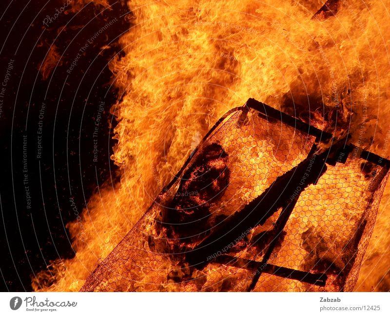 feuer die 10te Licht gelb Nacht brennen Physik Glut Langzeitbelichtung Brand Wärme Flamme