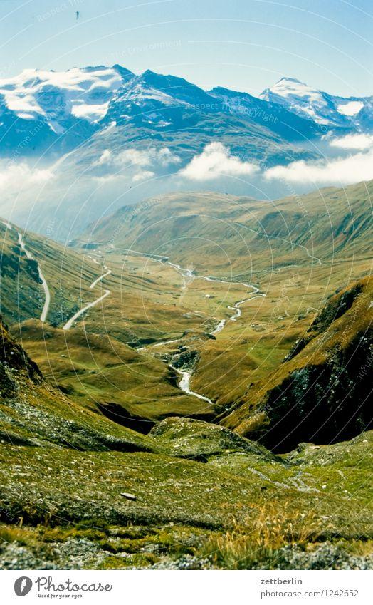 Frankreich (2) Europa Ferien & Urlaub & Reisen Reisefotografie Tourismus Landschaft Berge u. Gebirge Tal Serpentinen Wege & Pfade Fußweg Straße Pass wandern