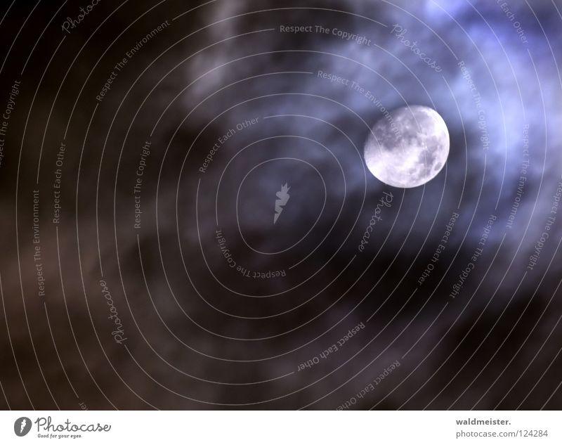Mond mit Wolken Himmel träumen Planet Himmelskörper & Weltall Astronomie Werwolf Astrologie Mondsüchtig Astrofotografie