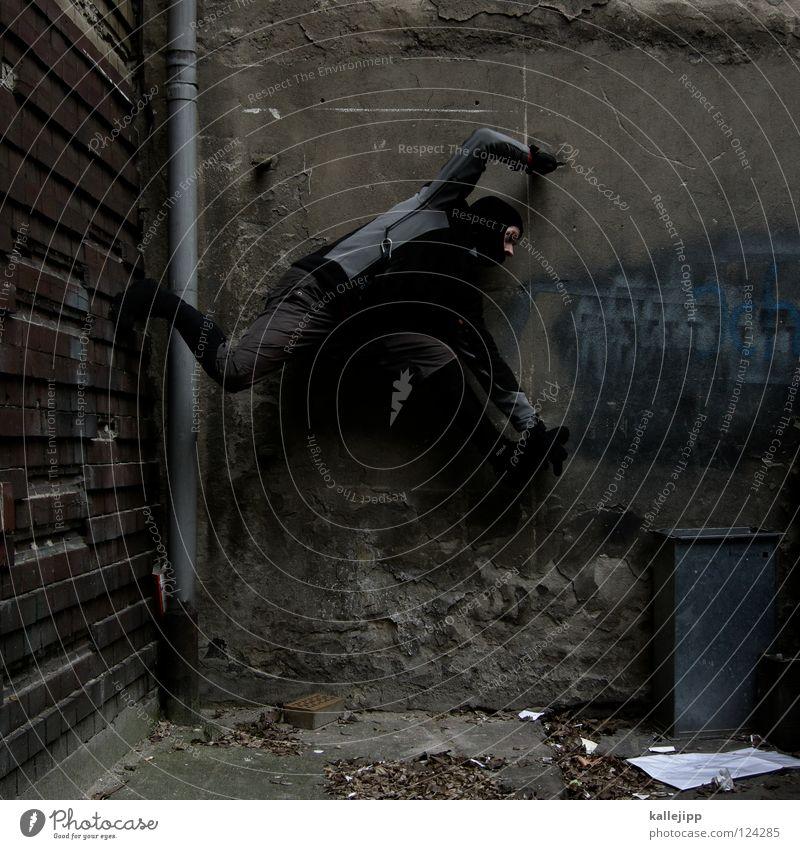ab in die tonne Mann Silhouette Dieb Krimineller Rampe Laderampe Fußgänger Schacht Tunnel Untergrund Ausbruch Flucht umfallen Fenster Parkhaus Geometrie