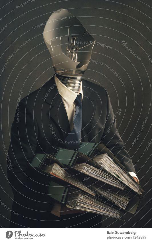 Kopfloser Geschäftsmann mit durchgebrannter Glühbirne Mensch Mann blau weiß Erholung Erwachsene Traurigkeit Gefühle Bewegung grau Business