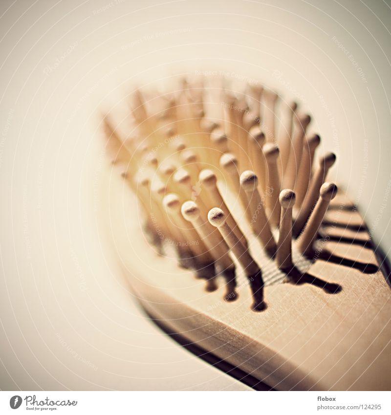 Vintage Kamm oder Bürste schön Erholung Holz Haare & Frisuren Rücken Sauberkeit Bad Wellness Kosmetik Wohlgefühl Massage Noppe Haarbürste beruhigend Haarpflege