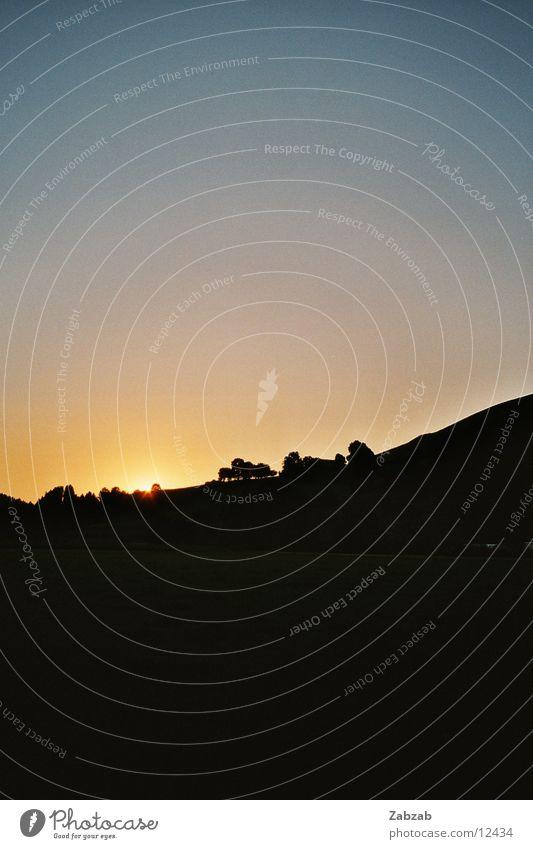 der zweite Untergang Sonne Wiese Berge u. Gebirge Landschaft Romantik Verlauf