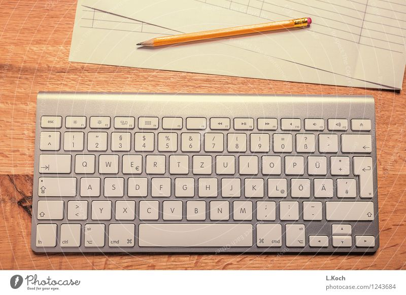 Schreibtisch Schule lernen Berufsausbildung Praktikum Studium Arbeit & Erwerbstätigkeit Büroarbeit Telekommunikation Callcenter Business Mittelstand Unternehmen