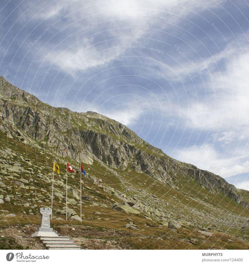 Gotthardpass FWK-Denkmal Himmel Sommer Wolken Gras Berge u. Gebirge Felsen Fahne Schweiz Denkmal Bayern Granit Gotthardsberg