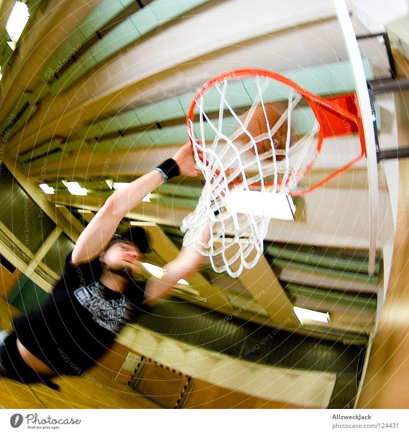 Slam! Mann Freude Einsamkeit Sport springen Spielen Aktion Ball Netz Lagerhalle Kanu Parkett Korb Basketball Schulsport Basketballkorb